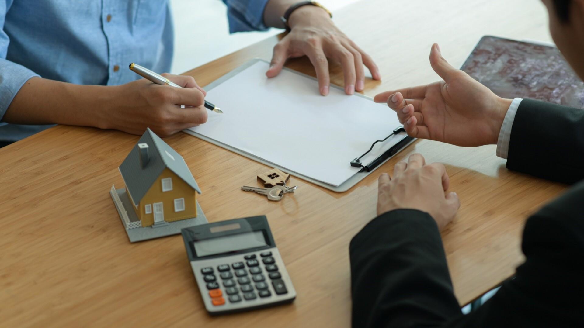 Por qué debo comprar mi vivienda con una agencia inmobiliaria